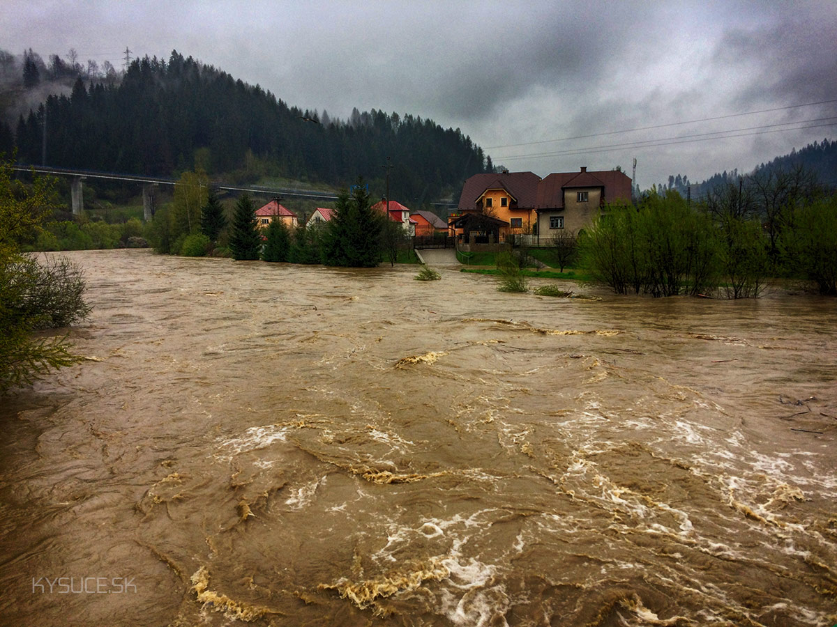 3-povodnovy-stupen-rieka-kysuca-2017-cadca-8.jpg