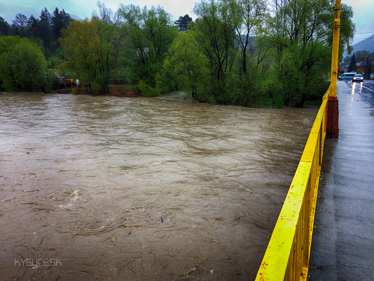 3-povodnovy-stupen-rieka-kysuca-2017-kysucke-nove-mesto.jpg