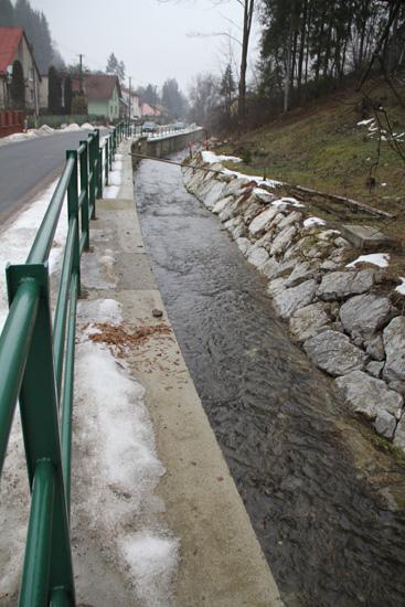 cadca-rieka-odkanalyzovanie-2011-7.jpg