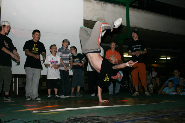 dj-show-foto-sh-2008-12.jpg