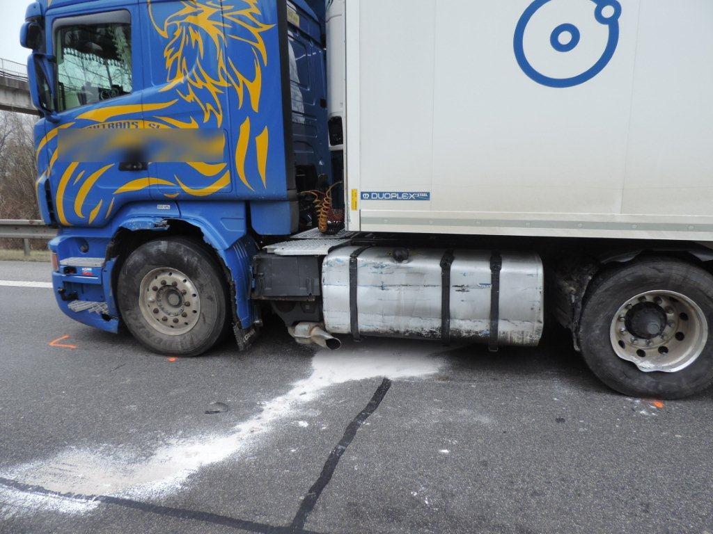 dopravna-nehoda-krasno-nad-kysucou-2016-11-4.jpg