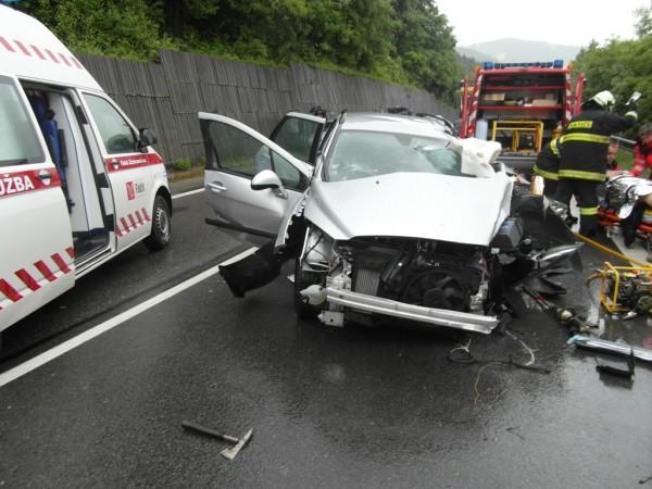 dopravna-nehoda-radola-kysucke-nove-mesto-2012-1.jpg