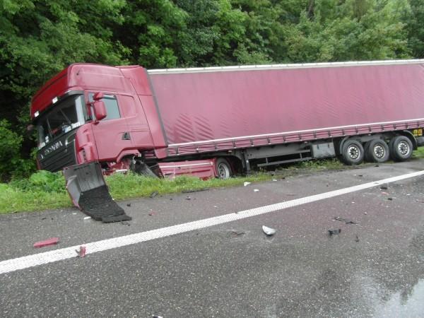 dopravna-nehoda-radola-kysucke-nove-mesto-2012-4.jpg