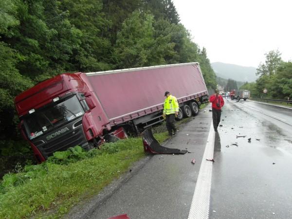 dopravna-nehoda-radola-kysucke-nove-mesto-2012-5.jpg