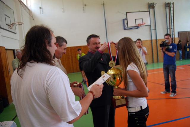 florbal-cadca-finale-2010-4.jpg