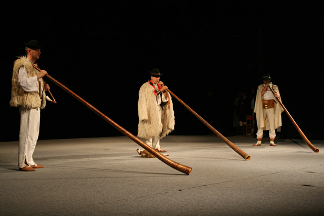 folklorny-subor-kysucan-etnofilm-2008-1.jpg