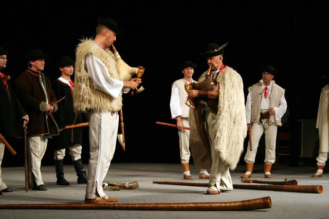 folklorny-subor-kysucan-etnofilm-2008-5.jpg