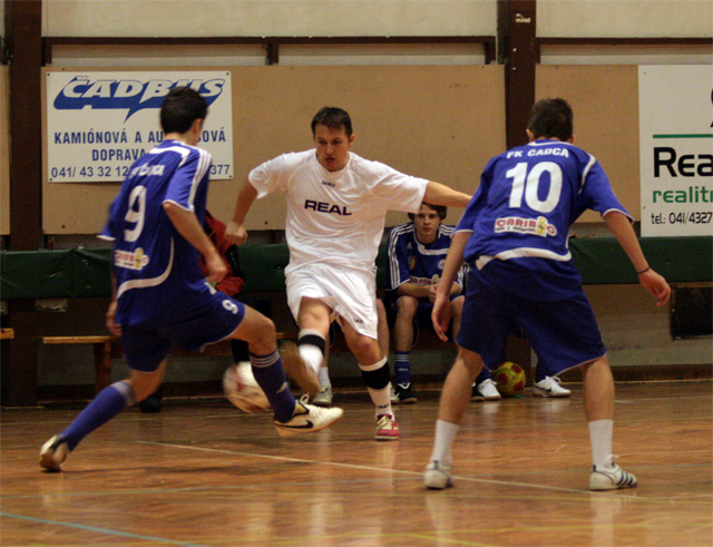 futsal-cadca-turnaj-2010-13.jpg