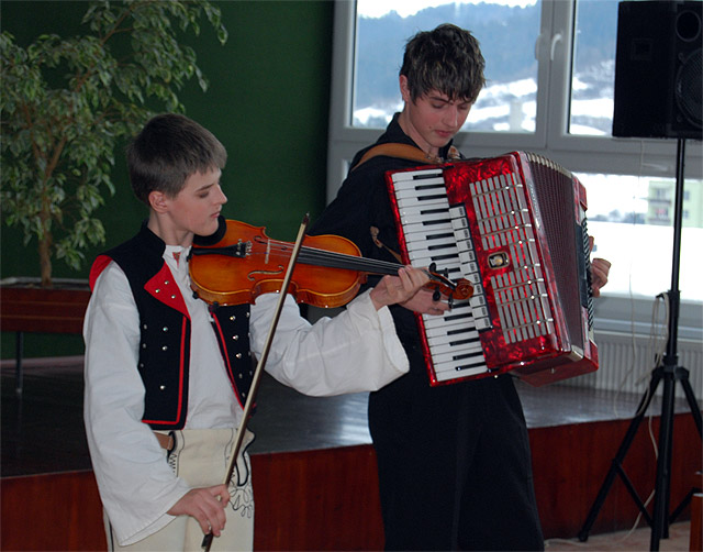 gymnazium-j-m-hurbana-v-cadci-2010-15.jpg