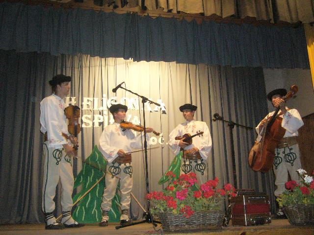 heligonka-spieva-2011-10-13.jpg