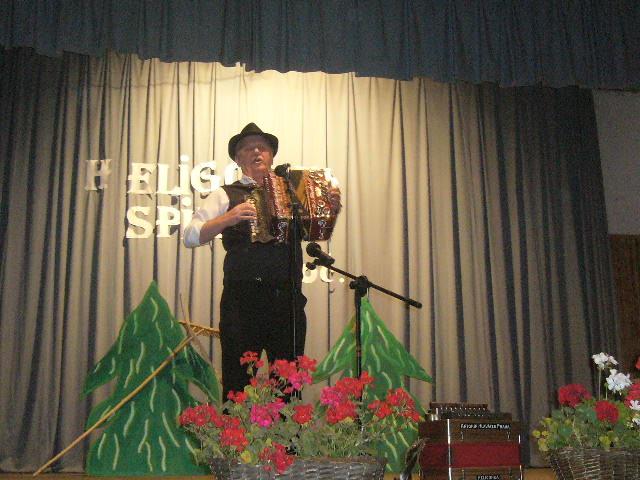 heligonka-spieva-2011-10-6.jpg