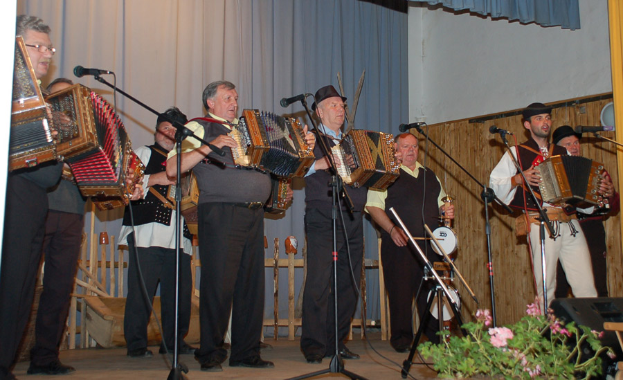 heligonka-spieva-2012-foto-6.jpg