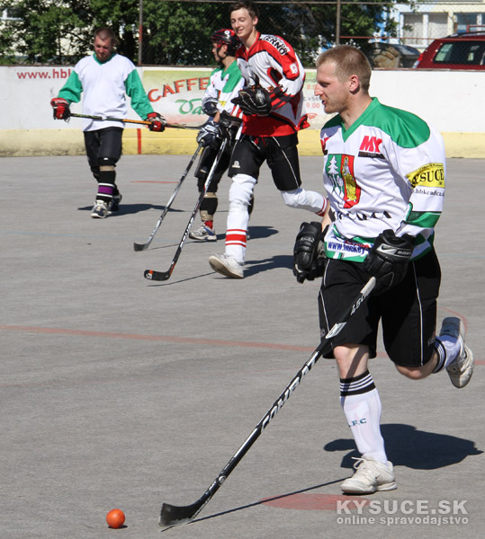 hokejbal-all-star-game-2012-cadca-39.jpg