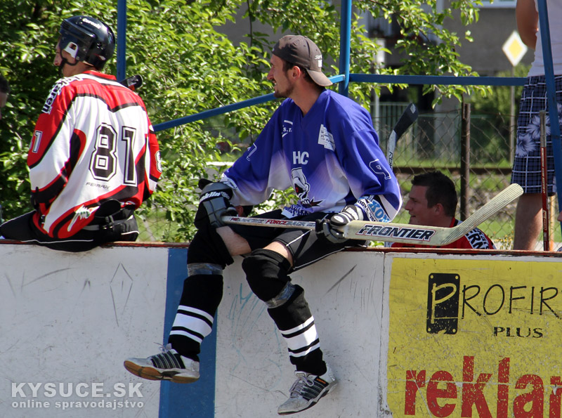 hokejbal-all-star-game-2012-cadca-4.jpg
