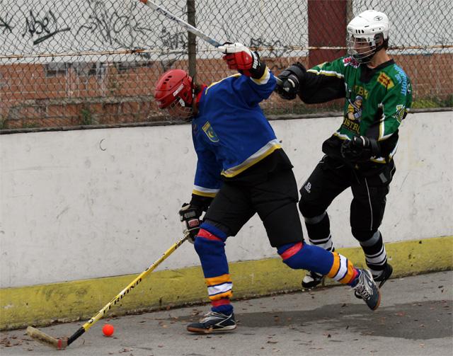 hokejbal-cadca-pruske-2008-10-10.jpg