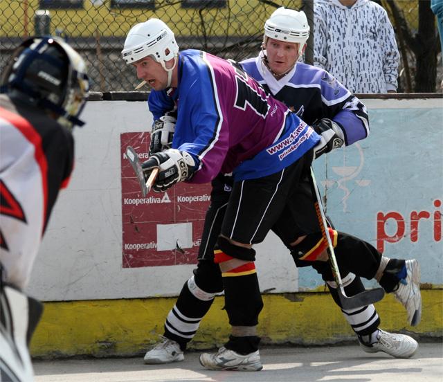 hokejbal-khl-2009-04-16.jpg