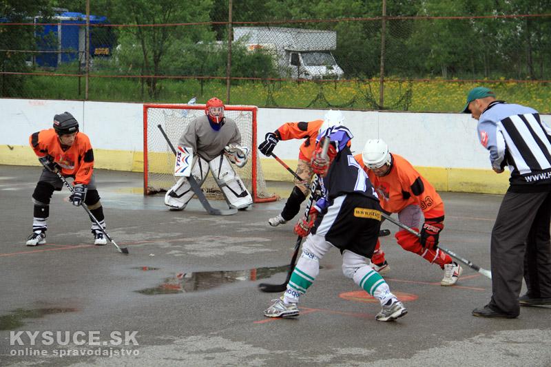hokejbal-play-off-2012-6-14.jpg