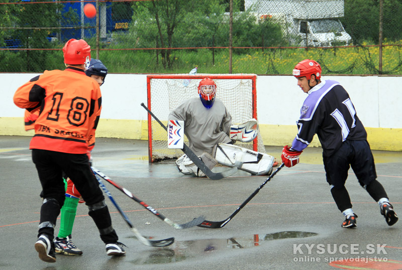 hokejbal-play-off-2012-6-18.jpg