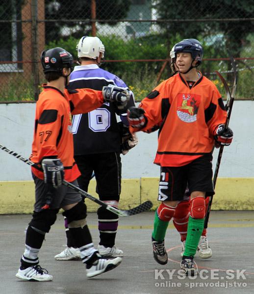 hokejbal-play-off-2012-6-22.jpg