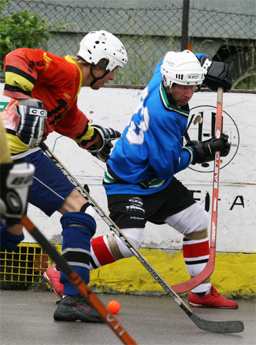 hokejbal-play-off-5-6-08-1.jpg