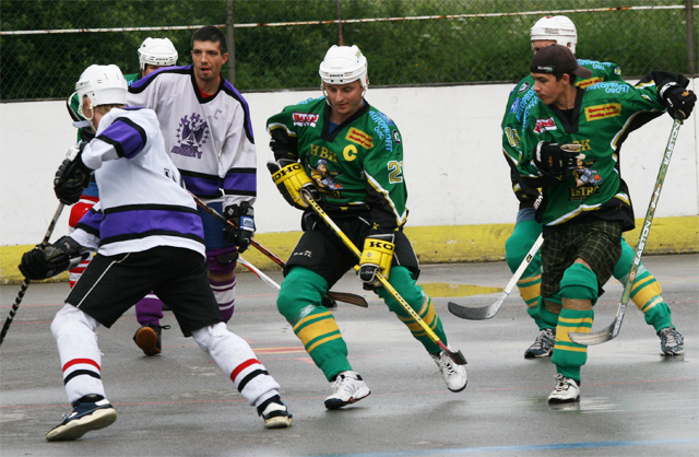 hokejbal-playoff-5-6-08-13.jpg