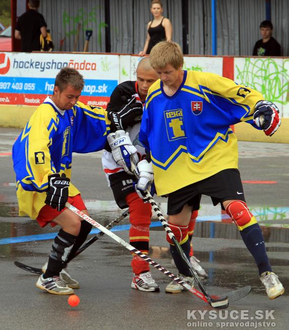 hokejbalovy-turnaj-2012-cadca-08-10.jpg