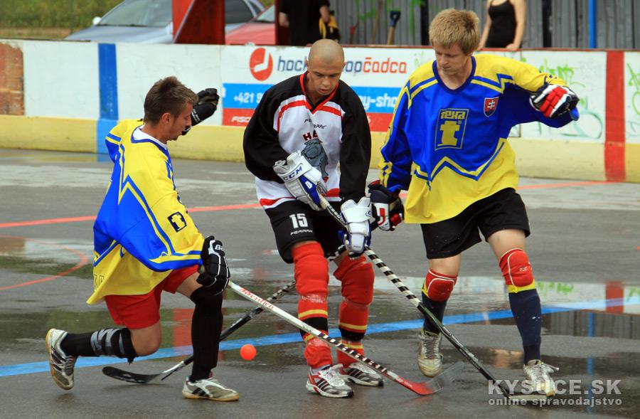 hokejbalovy-turnaj-2012-cadca-08-14.jpg