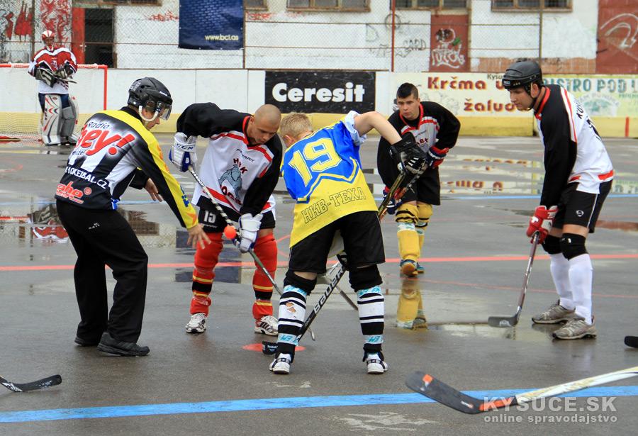 hokejbalovy-turnaj-2012-cadca-08-2.jpg
