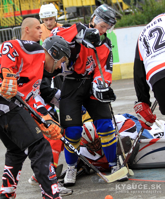 hokejbalovy-turnaj-2012-cadca-08-27.jpg