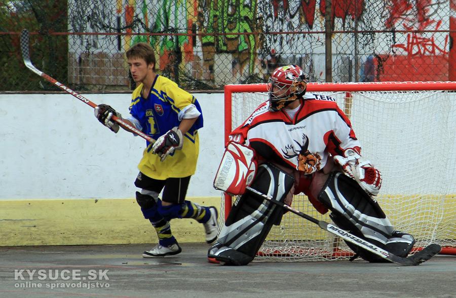 hokejbalovy-turnaj-2012-cadca-08-42.jpg