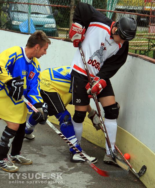 hokejbalovy-turnaj-2012-cadca-08-6.jpg