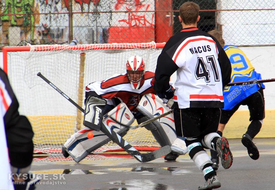 hokejbalovy-turnaj-2012-cadca-08-8.jpg