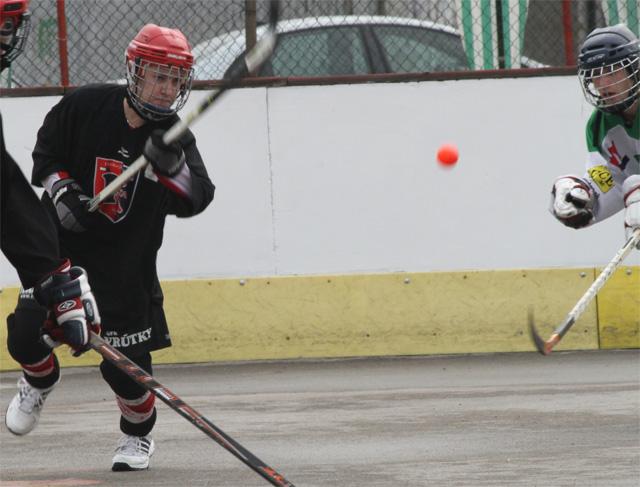 hokejbalovy-turnaj-cadca-2011-3-11.jpg