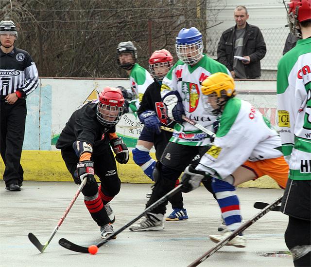 hokejbalovy-turnaj-cadca-2011-3-15.jpg