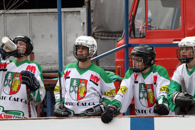 hokejbalovy-turnaj-cadca-2011-3-16.jpg