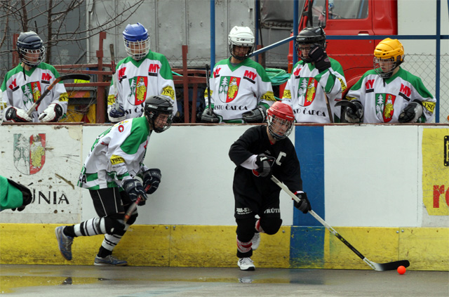 hokejbalovy-turnaj-cadca-2011-3-18.jpg