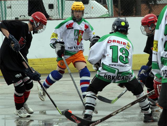 hokejbalovy-turnaj-cadca-2011-3-2.jpg