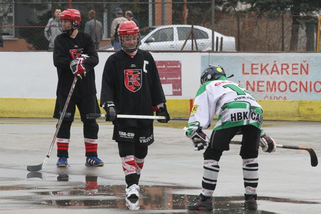 hokejbalovy-turnaj-cadca-2011-3-27.jpg
