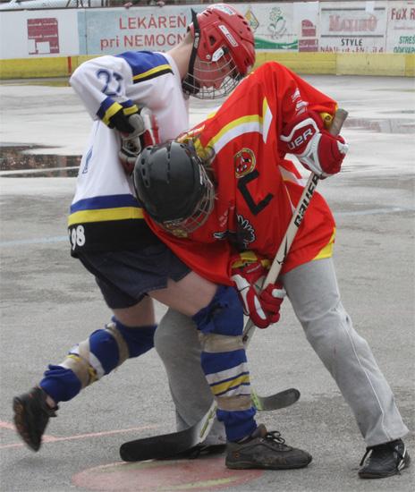 hokejbalovy-turnaj-cadca-2011-3-29.jpg