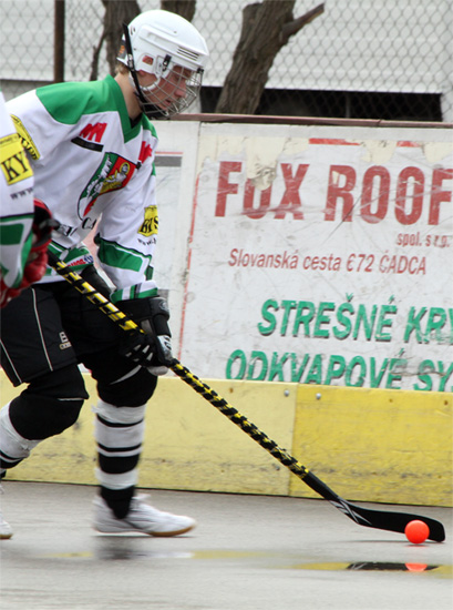 hokejbalovy-turnaj-cadca-2011-3-4.jpg