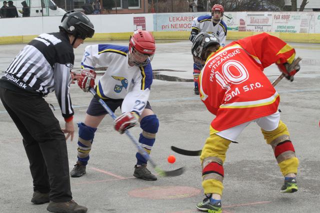 hokejbalovy-turnaj-cadca-2011-3-41.jpg