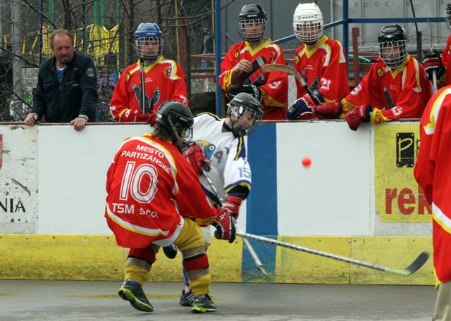 hokejbalovy-turnaj-cadca-2011-3-42.jpg