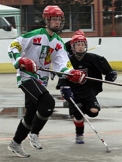 hokejbalovy-turnaj-cadca-2011-3-6.jpg