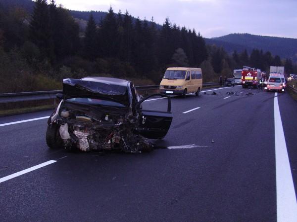 hromadna-dopravna-nehoda-pri-obci-krasno-nad-kysucou-oktober-2011-2.jpg