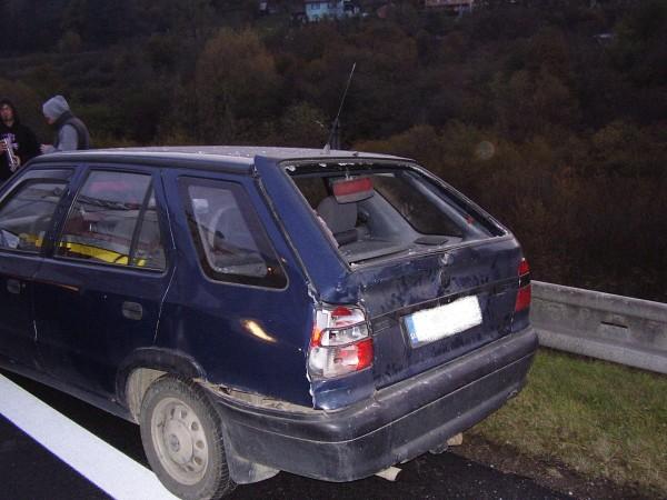 hromadna-dopravna-nehoda-pri-obci-krasno-nad-kysucou-oktober-2011-3.jpg