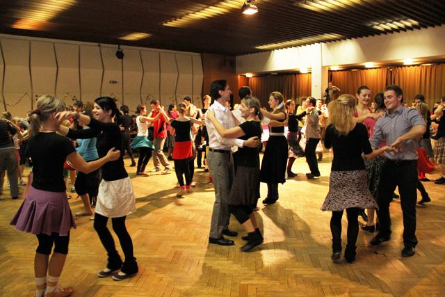 ii-tanecny-dom-na-kysuciach-2011-1.jpg