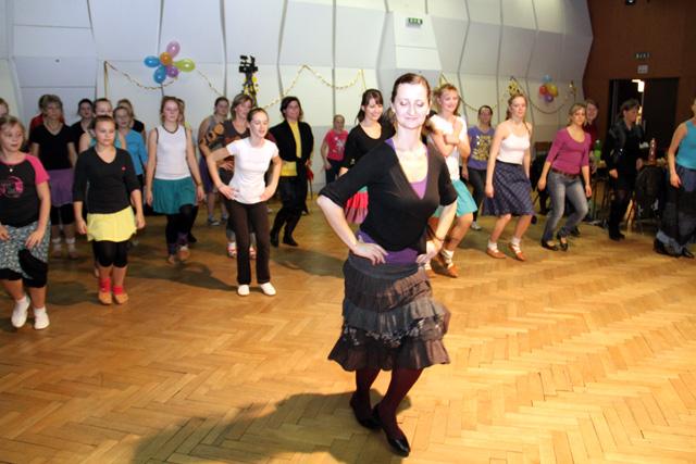 ii-tanecny-dom-na-kysuciach-2011-14.jpg