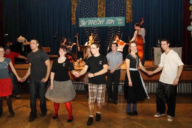 ii-tanecny-dom-na-kysuciach-2011-17.jpg