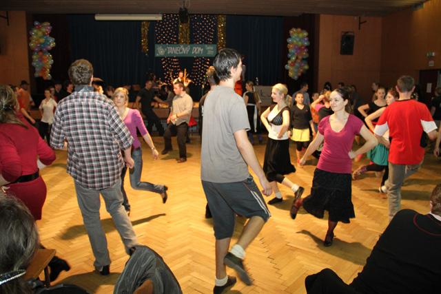 ii-tanecny-dom-na-kysuciach-2011-18.jpg