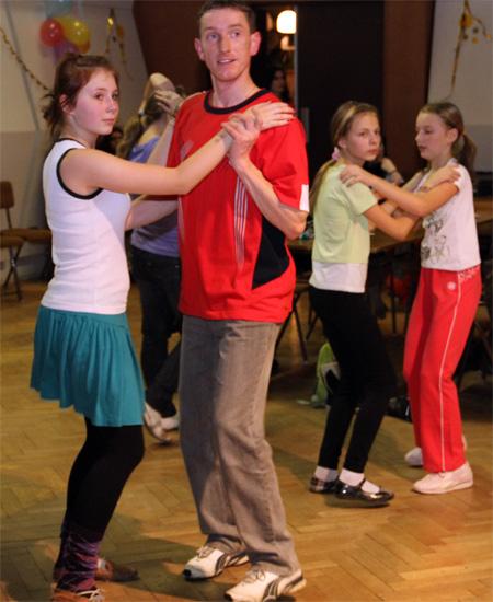 ii-tanecny-dom-na-kysuciach-2011-26.jpg